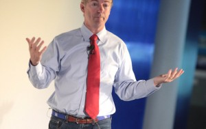 There's No Real Difference Between Bernie and Hillary, Says Rand Paul